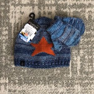 NWT Cuddl Duds Toddler knit hat and glove set
